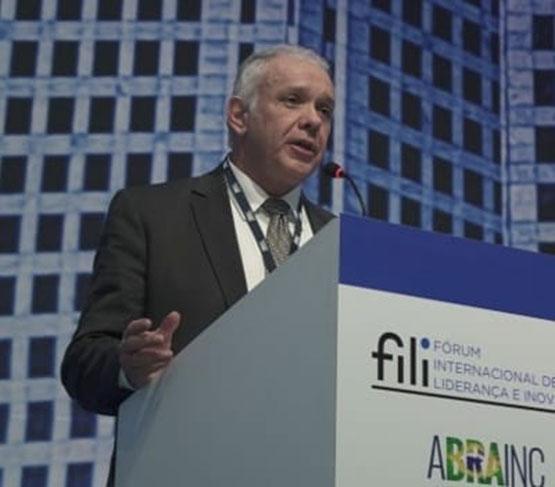 Read more about the article Luiz Antonio Martins Filho, presidente executivo da Drywall, fala em entrevista sobre as demandas do setor, produtividade e crescimento do país